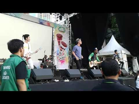 Remember of today- live at jakcloth(Pergi hilang dan lupakan)