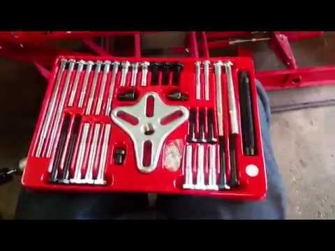 Harbor Freight Bolt Type Wheel Puller Review