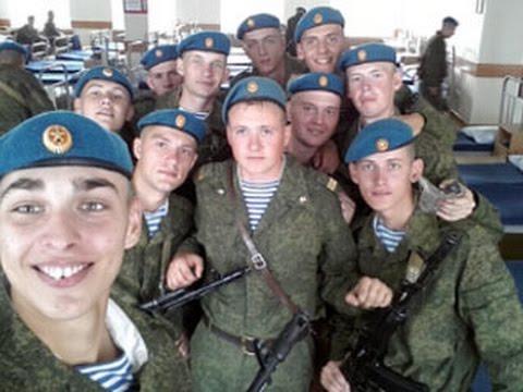 Смотреть Омичи скорбят вместе с близкими погибших десантников онлайн
