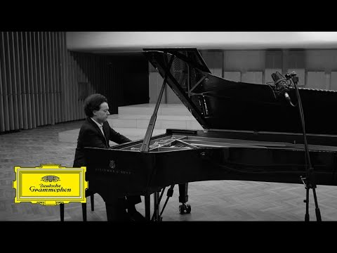 "Andante con moto [Beethoven: Piano Sonata No. 23 In F Minor, Op. 57 - ""Appassionata""]"