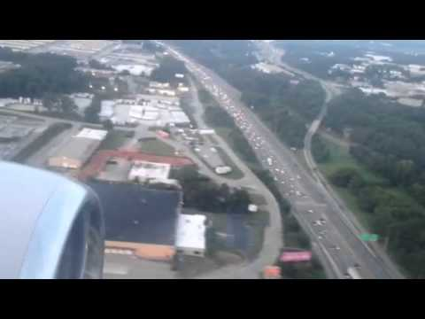 "United Airlines Airbus A319 Atlanta Landing ""United Airlines Airbus A319 Atlanta Landing"""