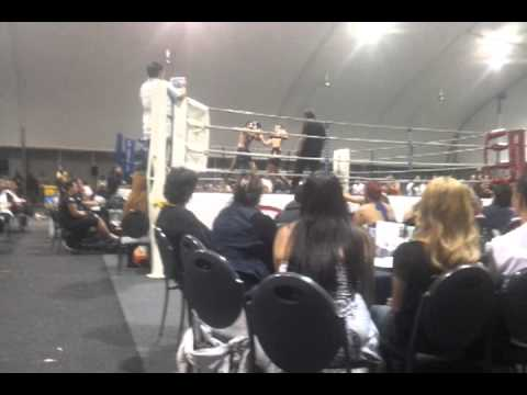 Renton Innes vs Mario WIlliams 72kg - Tairua Muay Thai Boxing - Round Two