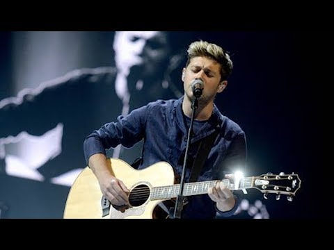 Niall Horan Brings Crowd to Tears with One Direction Cover