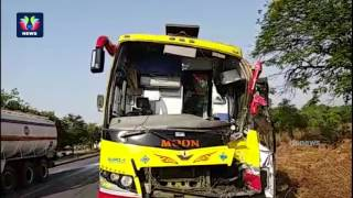 kaveri-travels-bus-hits-parked-lorry-at-shamshabad-two-persons-in-serious-condition-tfc-news