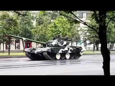 Танковый дрифт в центре Минска / Tank Drift in Minsk