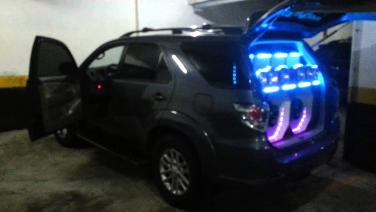 Paredo hilux sw4 marcelo rio som  YouTube