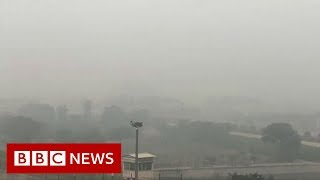 The office commute through Delhi's deadly smog - BBC News
