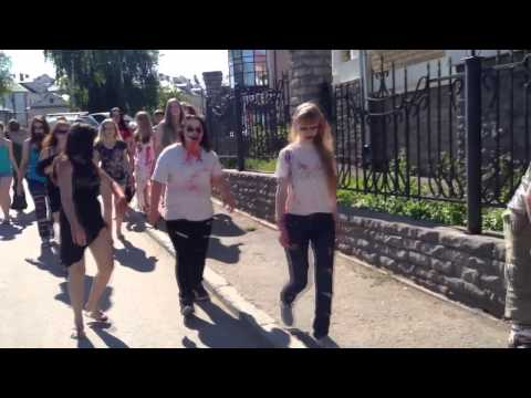 Видео: Парад зомби 2013 Киров - Лучший зомби флешмоб ФМ2013
