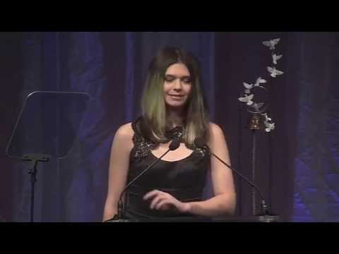 "Advocate Nicole Maines and Family Accept 2015's ""Spirit of Matthew Award"""