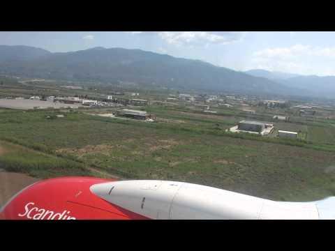 Scandinavian Boeing 737 landing at Kalamata Airport (KLX), Greece