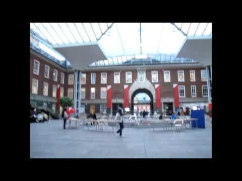 London 2015 - Walking Around in Hendon