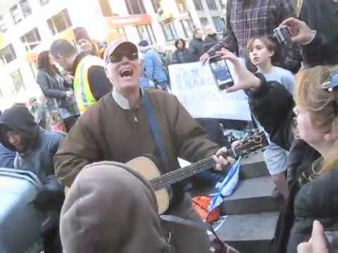 Loudon Wainwright III visits Occupy Wall...