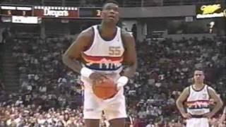 Dikembe Mutombo (29pts/22rebs) vs. Bulls (1993)
