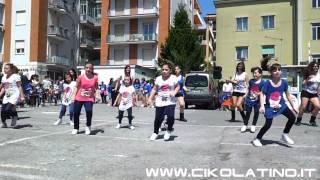 Scuola Baila Latino Junior coreografia Eu quero tchu il 01/05/12 www.cikolatino.it
