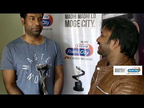 Vennela Kishore Wins Best Comedian - Anandho Brahma Mahanubhavudu & Ami Thumi RadioCityCIneAwards
