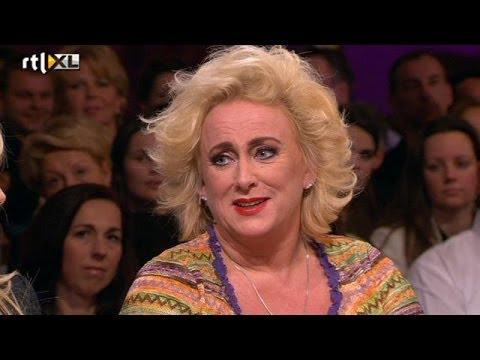 Verdriet om zus vergt uiterste van Karin Bloemen - RTL LATE NIGHT