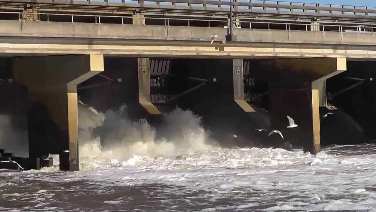 Ross barnett spillway youtube for Ross barnett reservoir fishing report