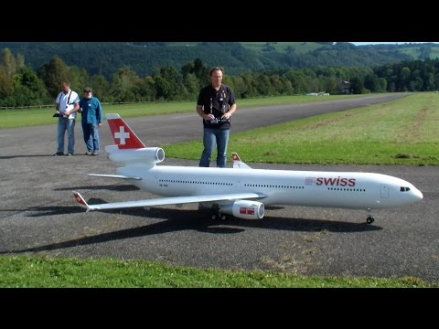 2x Huge Radio controlled Boeing MD-11 Swiss and TAM Modell Airliner
