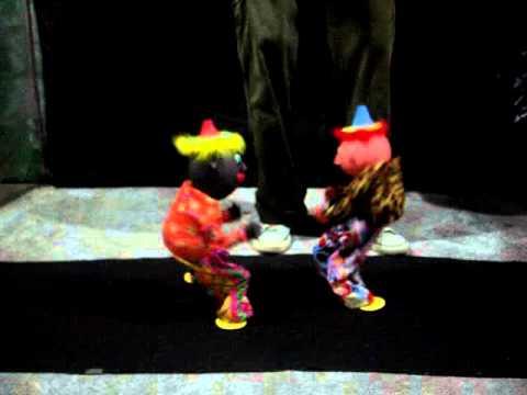 marionetes-dançando-reggae