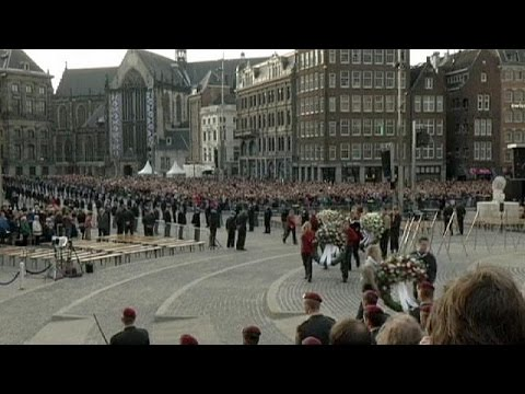 Dutch royal couple honour WW II dead