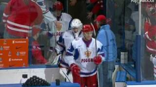 Чемпионат Мира по хоккею 2011  Россия Канада 5-3(Финал Легенда Молодёжная сборная России выиграла чемпионат мира. В финальном поединке молодёжного чемпио..., 2011-01-06T07:11:14.000Z)