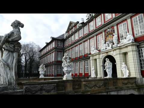 Travel Video - Visiting Wolfenbuttel & Autostadt in Wolfsburg, Germany