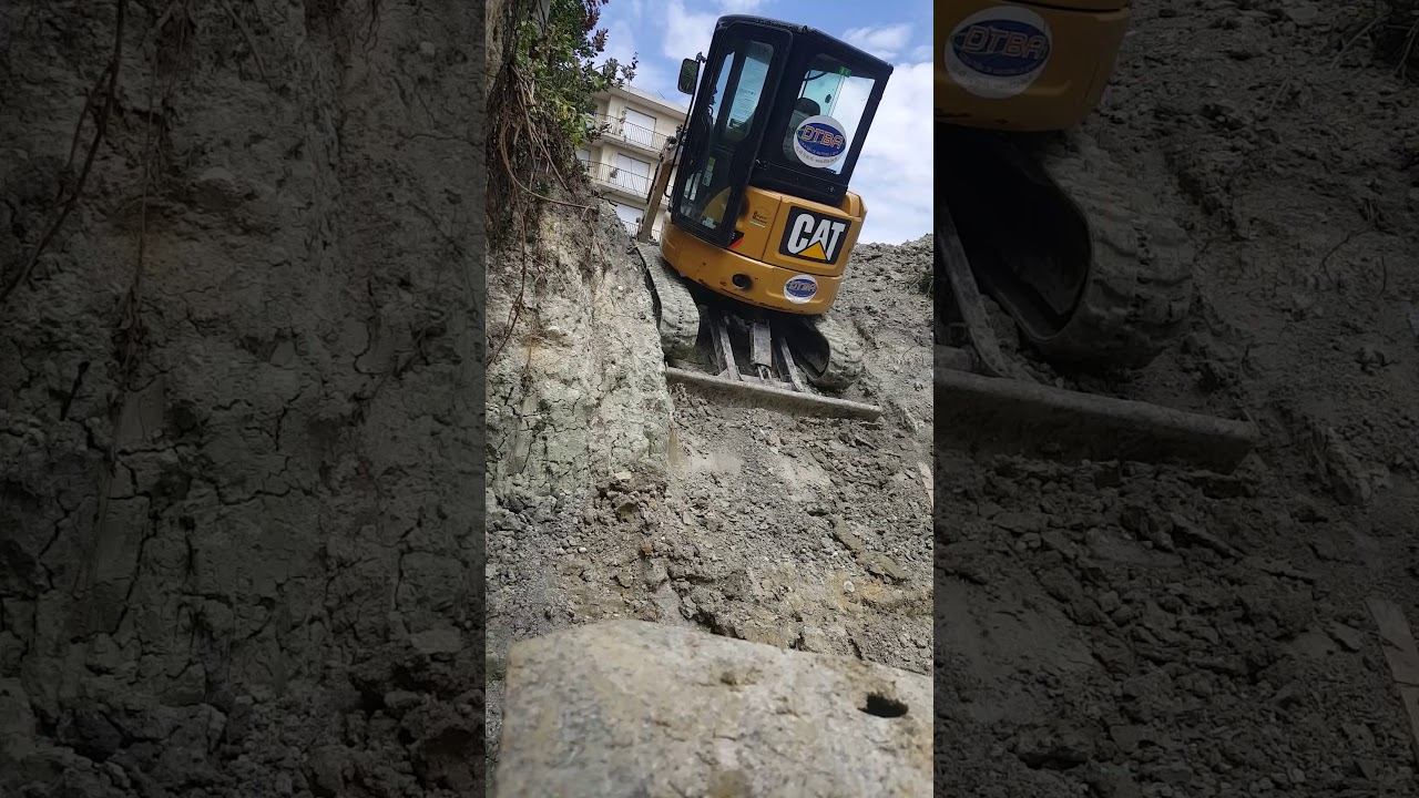 Comment Faire Un Terrassement En Pente comment monter une pente raide avec une minipelle de 3t5