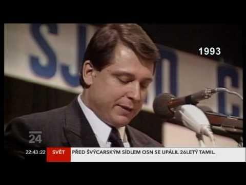 Paroubek za mlada a jeho plamenný projev z roku 1993 na sjezdu ČSSD