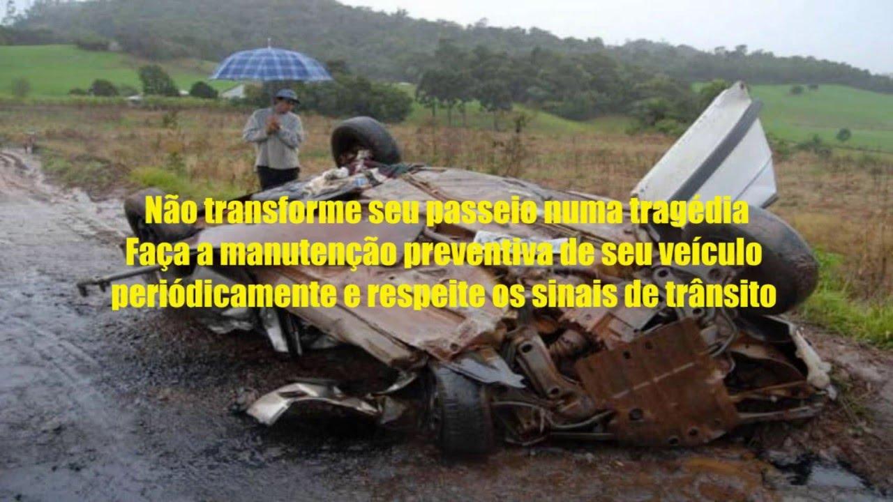 Resultado de imagem para PNEUS CARECAS DO CARRO NA CHUVA