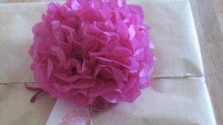 Repeat youtube video Learn to Make Paper Flowers!