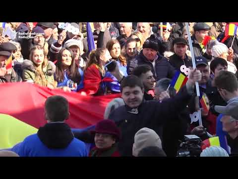 Moldovan Supporters Of Unification With Romania Gather In Chisinau