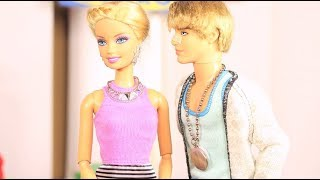 Furniture Shopping - A Barbie parody in stop motion *FOR MATURE AUDIENCES*