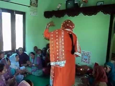 Kangra Ladies Dance in Marriage - Pahadi Shadi Dance by Ladies