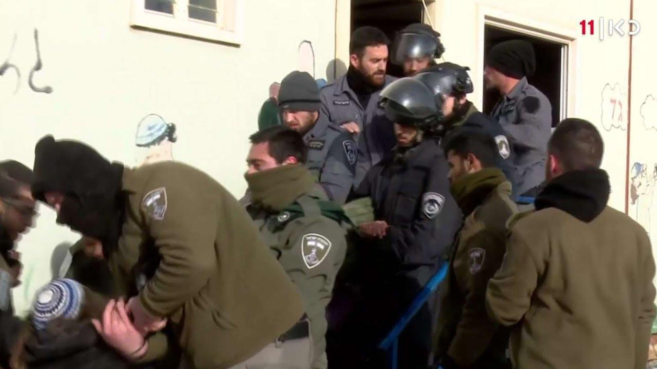 עמונה: שני מגורונים פונו, 23 שוטרים נפצעו