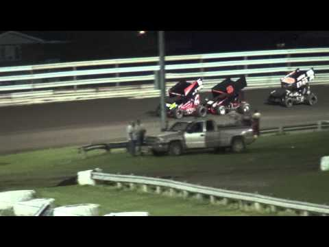 Sprint Invaders A-main feature Southern Iowa Speedway 5/6/15