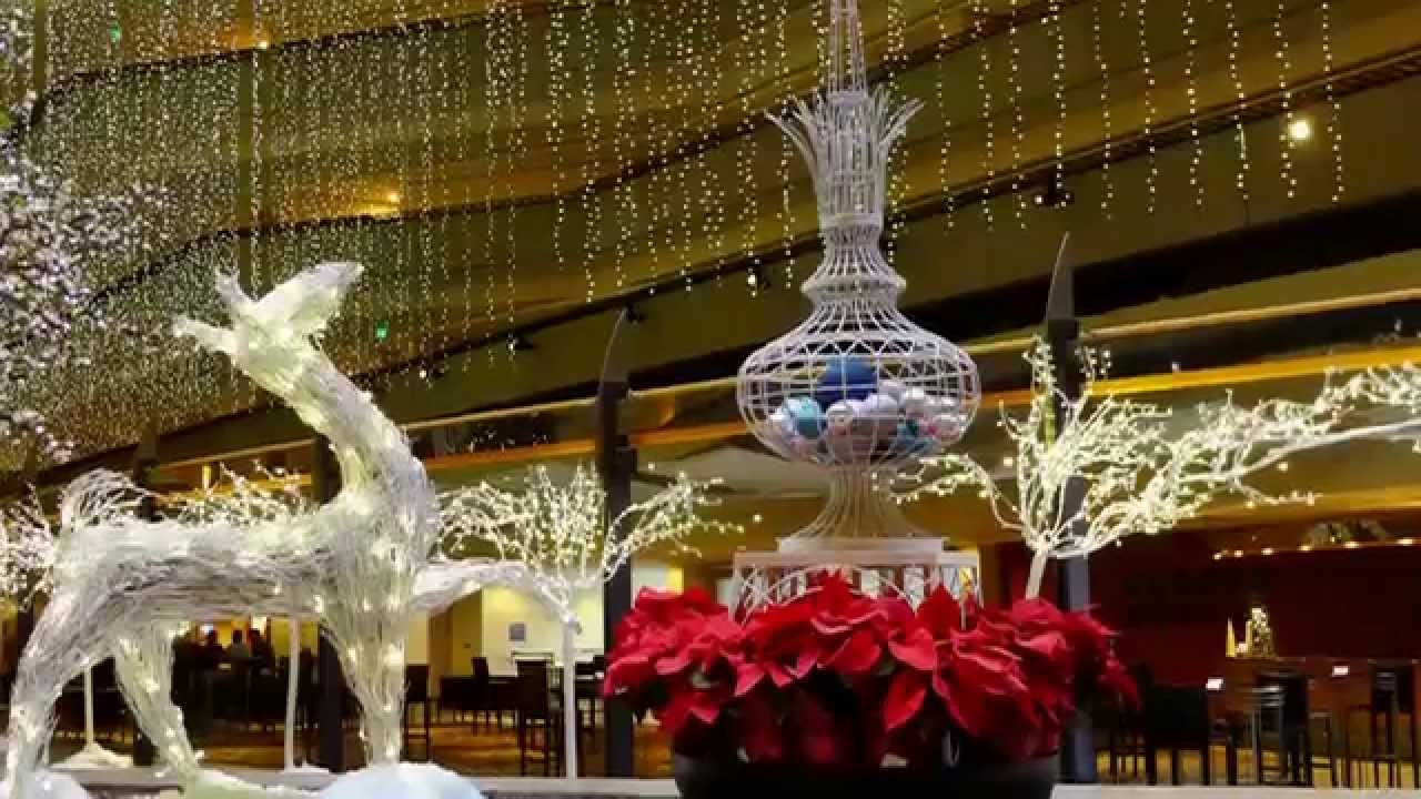 christmas decorations at the hyatt hotel- san francisco ernesto