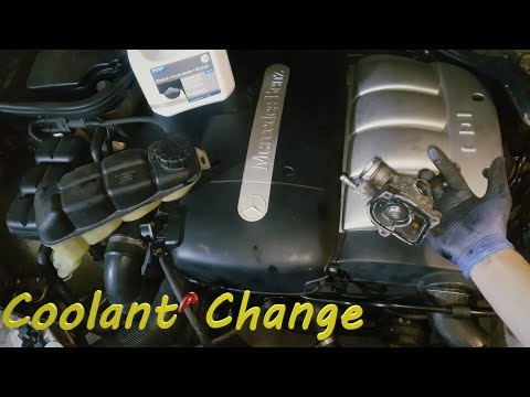 W210 Mercedes E220 CDI  Coolant Change , Thermostat Replacement  /Temperature Sensor -Test