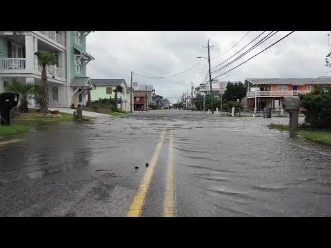 RAW VIDEO: Hurricane Florence storm surge floods Carolina Beach streets