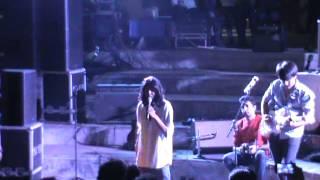 OUTRO performing Pankhida Udi Jajo Live@Echoes