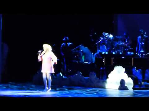 Bette Midler - Do You Wanna Dance (Staples Center, Los Angeles CA 5/28/15)