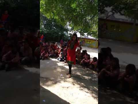 Kanha Kate Mat Na Chutki ...Meri Foot Jayegi Matki Dance