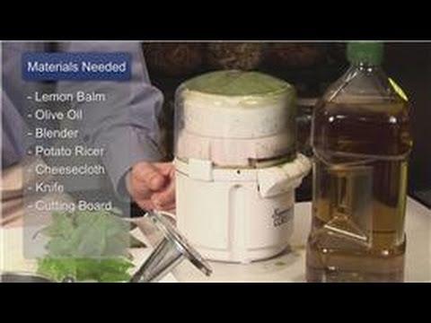 Oil Treatments & Recipes : How To Make Lemon Balm Oil