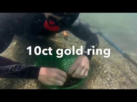 Lost Jewellery Recovery #3 metal detecting 2x gold rings in rock pool