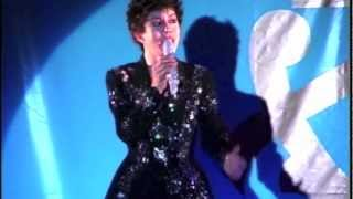 あのハーフ歌手のマギーミネンコさん涙の河を 2002年のカバーアルバム発売イベントデイナー 豊橋で.