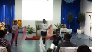 (Let Your) Living Waters - Hlengiwe Mhlaba (Worship Dance by Supreme Dancers)