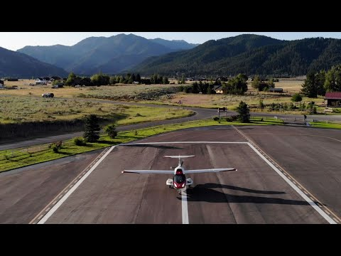 ICON Aircraft Visits Alpine Airpark