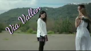 Download lagu Via Vallen - Pamer Bojo (Lirik dan Terjemahan) #dangdut #via #vallen #terbaru