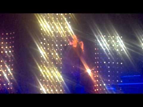 """Benjamin BIOLAY - """" Personne dans mon lit """" - L'Aigle le 19 mars 2013"""