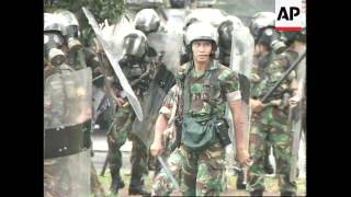 INDONESIA: STUDENT RIOTS END IN VIOLENCE (2)