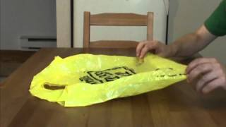 Under-a-minute Kitchen Tips: Folding Shopping Bags